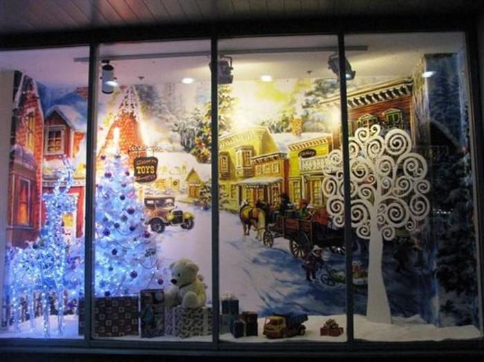 Оформить витрину можно и с помощью сюжетных плакатов с подсветкой