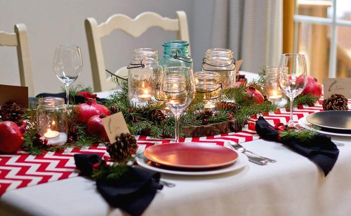 Это самый подходящий элемент декора на праздничном столе и просто в интерьере