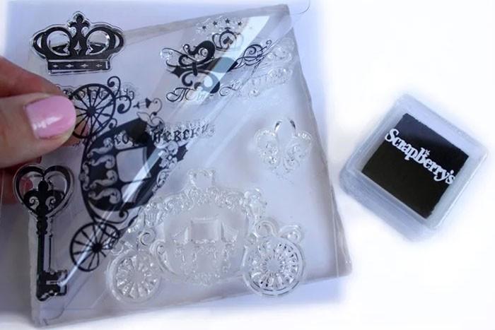 Для штампинга приобретают резиновые или силиконовые образцы — штампы