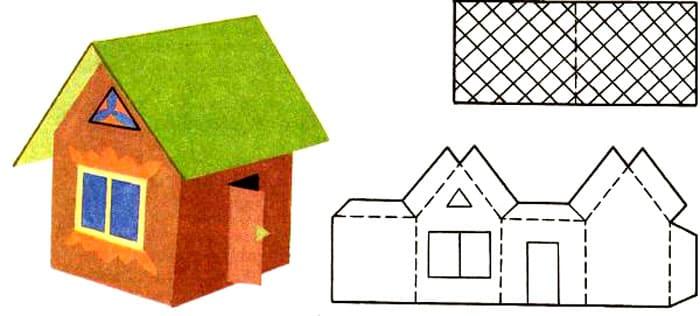 При использовании такого шаблона можно сразу украсить домик, а только потом уже собирать его