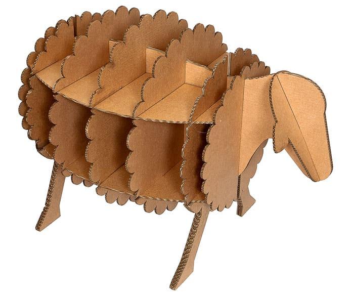 Стоячая полочка в виде животного может поселиться в детской и стать хранилищем игрушек
