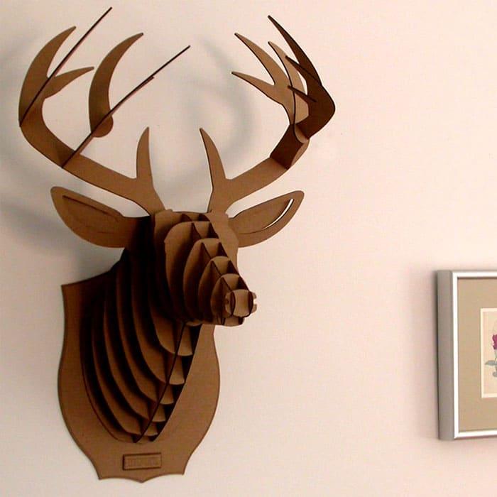 Не обязательно наблюдать на стене головы убиенных животных, можно создать трофей своими руками и без ущерба животному миру