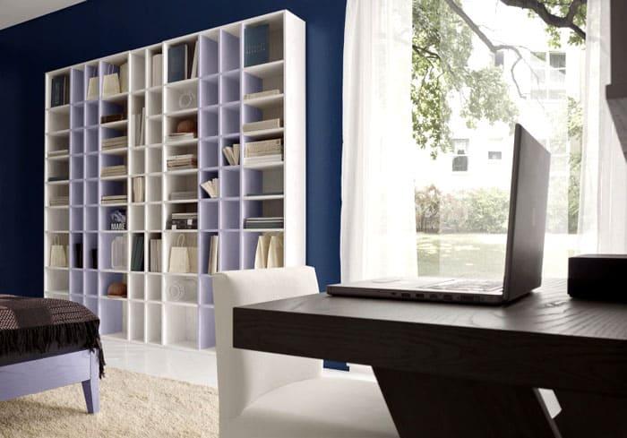 Любые секции, открытые и закрытые, можно поменять местами, что особенно удобно во время ремонта или простого обновления обстановки
