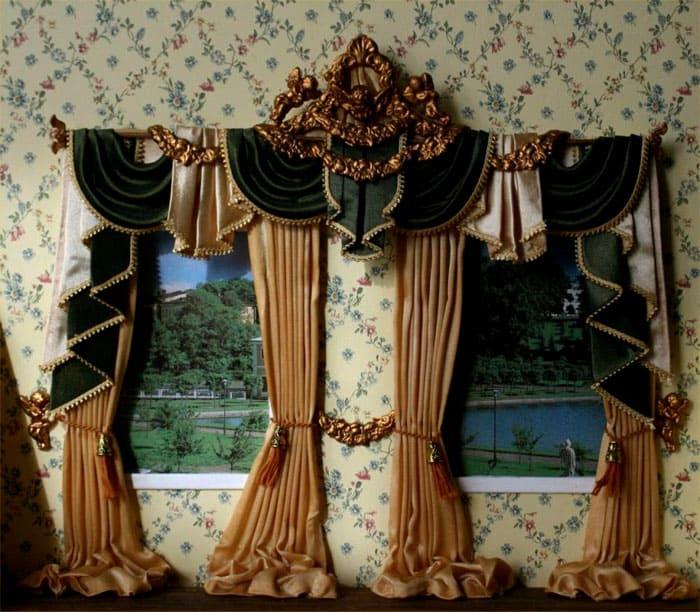 На окнах роскошно будут выглядеть сваги и кокилье, бахрома на портьерах, шнуры, золотая вышивка