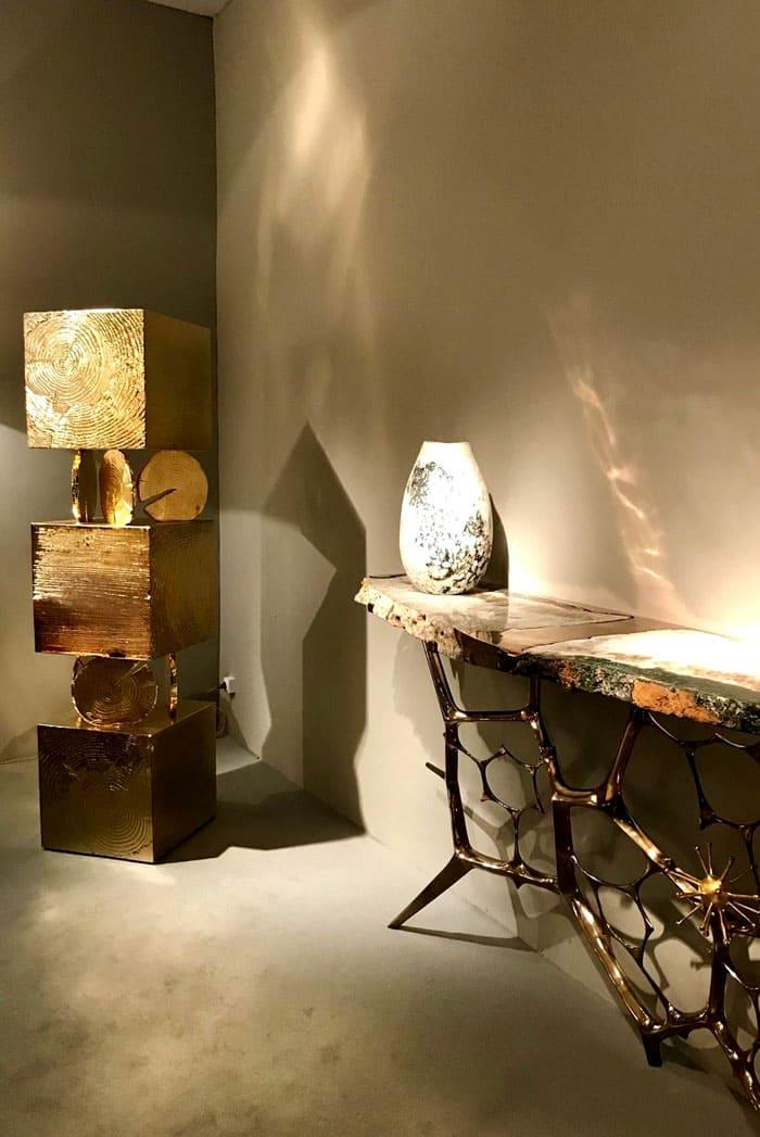 Натуральные материалы сами помогают в создании формы, позволяя родиться на свет очень стильным вещам