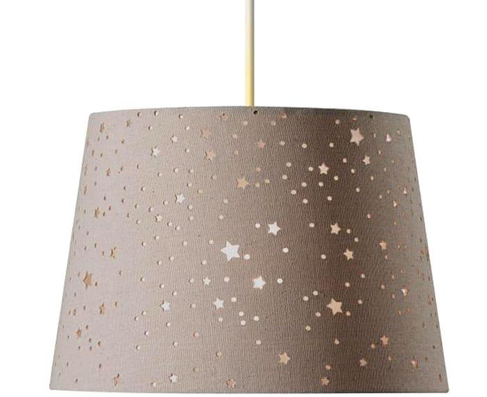 Светильники могут быть текстильными, деревянными, с металлическими элементами: главное, как будет работать само освещение