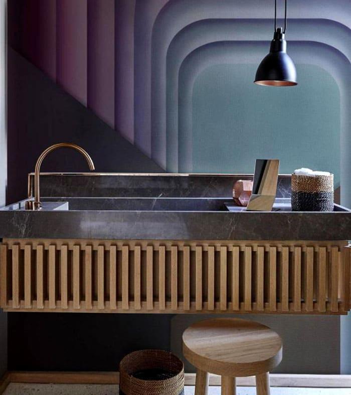 Не сразу понятно, что это удивительная ванная с элементами оформления сауны. Такая причудливая смесь стильного оттенка и игра материалов