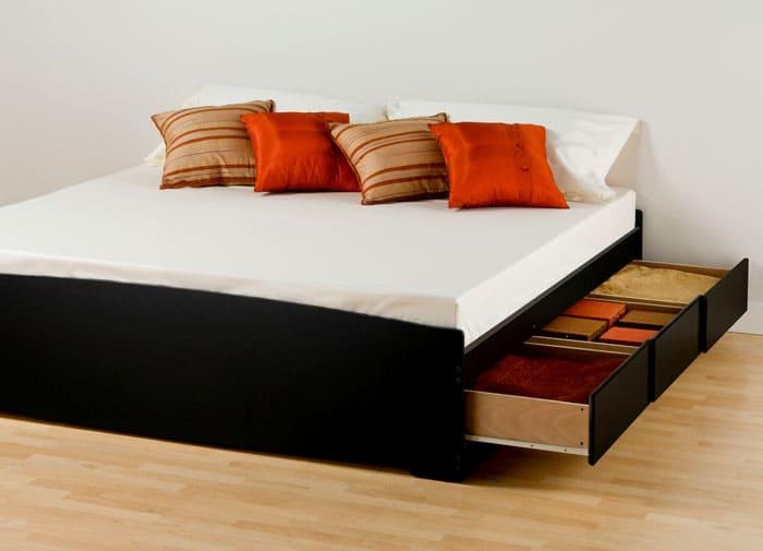 Такие модели с направляющими подходят для комнат, где пол покрыт ламинатом или натуральным паркетом. В этом случае исключено повреждение покрытия