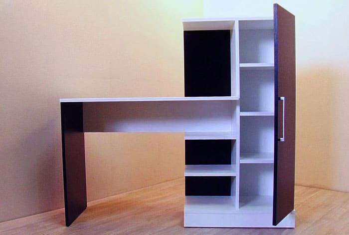 Функциональные модели состоят не только из столешницы и полок. На фото очень удобное изделие. В закрытом шкафу могут храниться не только книги, но и любые другие вещи