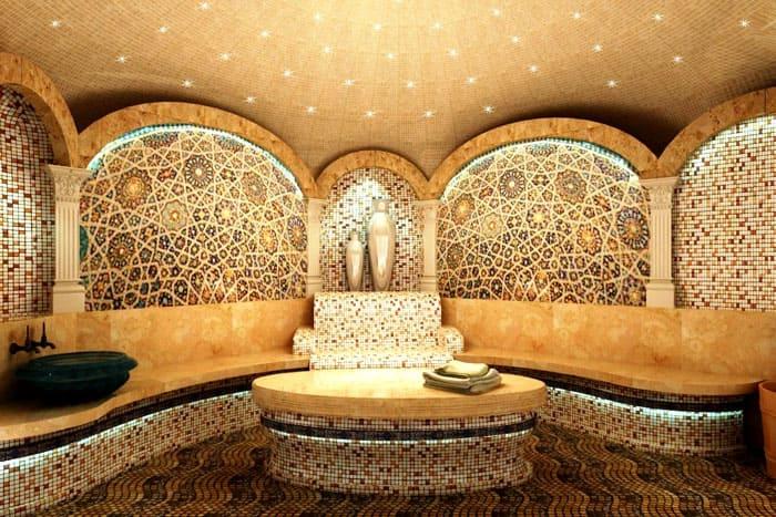 Внешне это настоящий образец восточной эстетики и роскоши мраморного декора