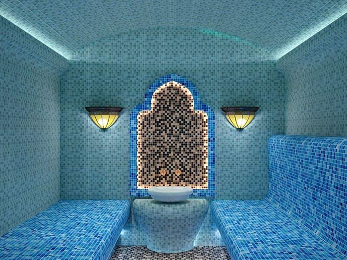 В хаммаме не используют целиком деревянные покрытия, как в сауне и других банях. Здесь царит камень, мрамор, кафель