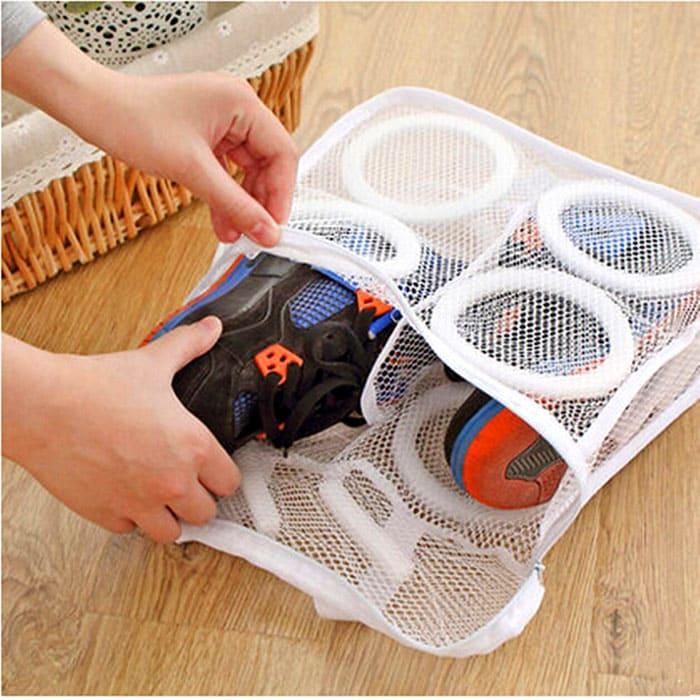 Для стирки лучше сразу приобрести специальный мешок