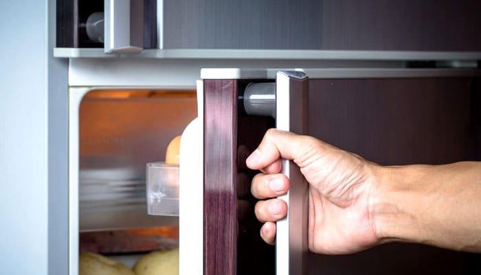 Наряду с камерами учитывается расположение дверок: важно, куда они открываются, и не помешает ли им что-нибудь
