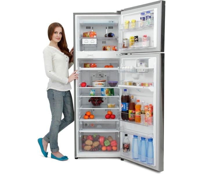 Продукты разного типа охлаждаются и замораживаются в специальных отсеках. Если требуется заморозить что-то в течение 1-2 часов, то для этого в агрегате должен быть предусмотрен отсек шоковой заморозки