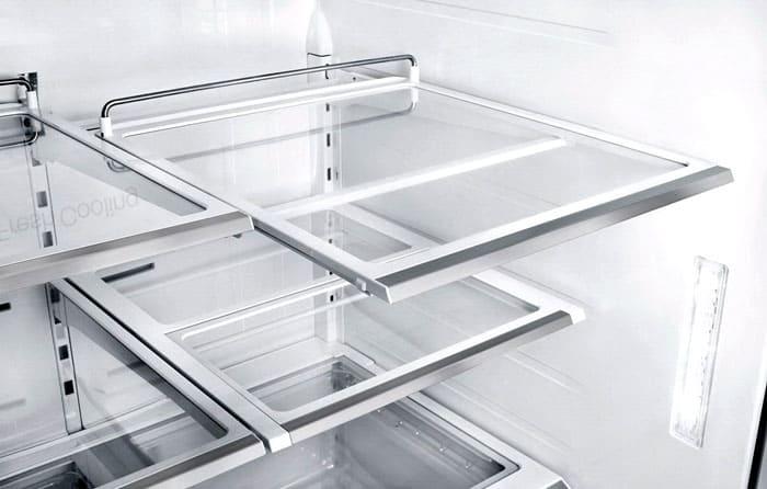 Что касается внутреннего устройства в виде полок и решёток, то они бывают из стекла или из металла