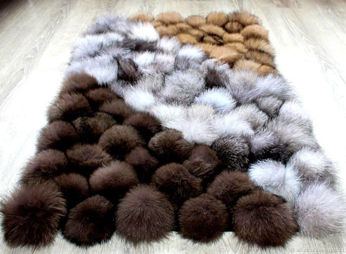 Чтобы получился чудесный ковёр, нужно правильно подобрать размер каждого шарика
