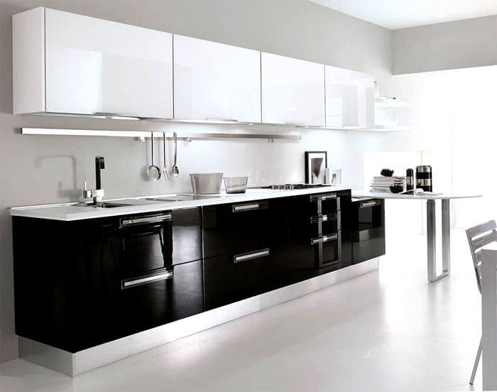 Хай-теку подобает минимум декораций, больше гладкости и чёткости. Идеально подойдут двухцветные варианты