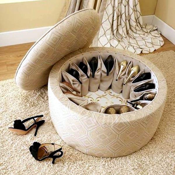 Внутри можно устроить удобное обувное хранилище
