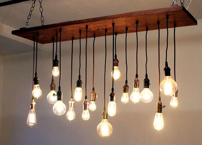 Металл и стекло составляют основу осветительных приборов лофта