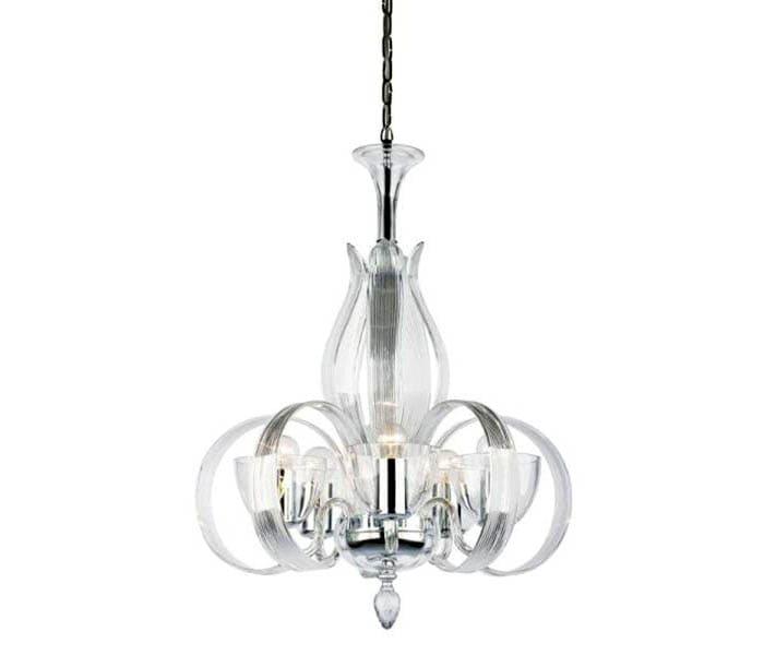 Плафоны из прозрачного стекла в сочетании с декором из хрусталя делают модель очень привлекательной