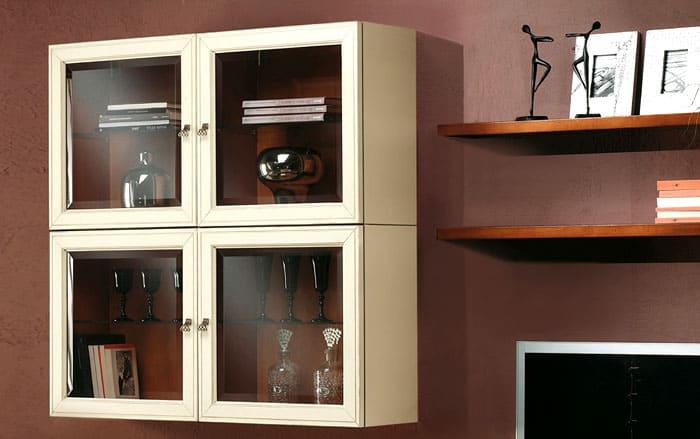 Кроме мягкой мебели, пылесосят и промывают все шкафы и стеллажи: внутри и снаружи