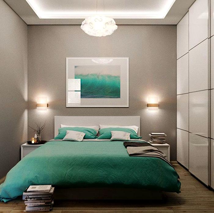 Потолочная люстра прекрасно сочетается с настенными светильниками-бра. Вполне реально подобрать единый ансамбль