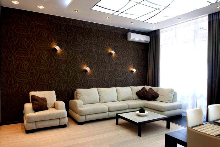 Кофейная обстановка уютна, в меру элегантна и позитивна