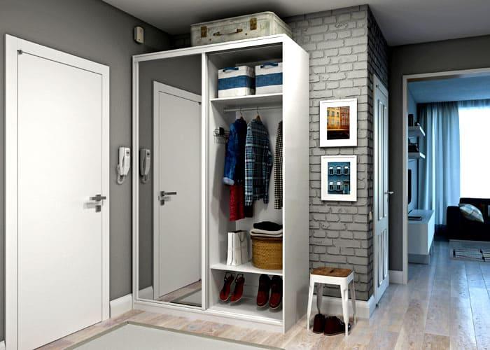 Отдельный небольшой шкаф-купе вполне справится со своим назначением, если внутри предусмотрено место для обуви и головных уборов