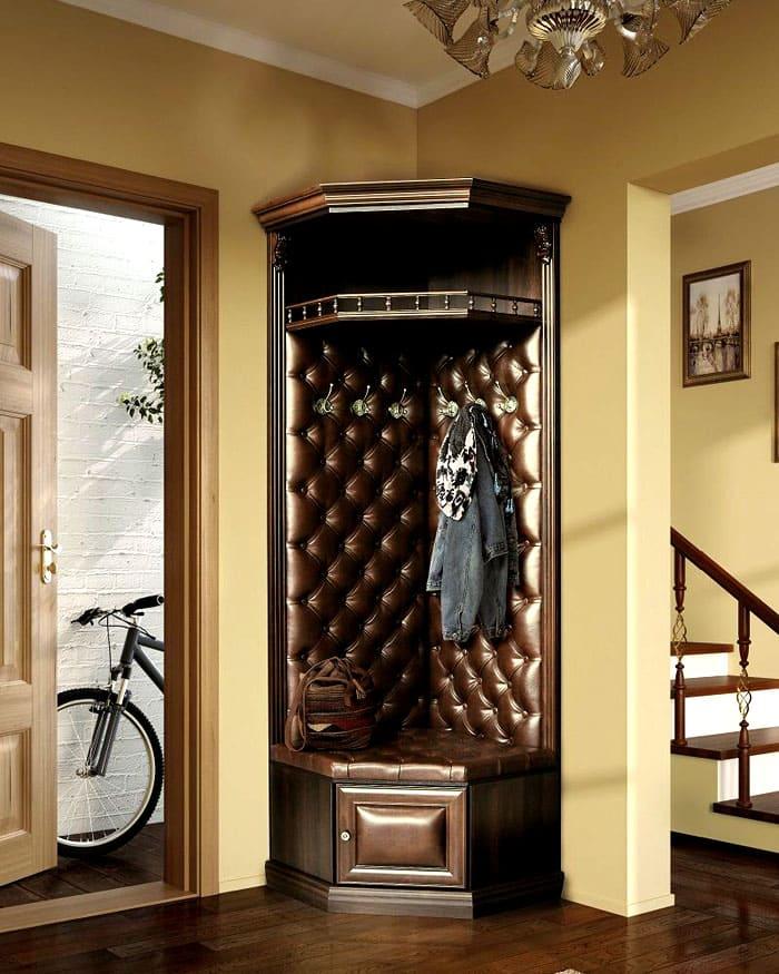 Угловые шкафы такого плана делают классику роскошной