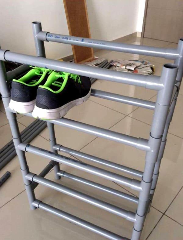 Такие конструкции могут сделать и домашние умельцы из труб ПВХ