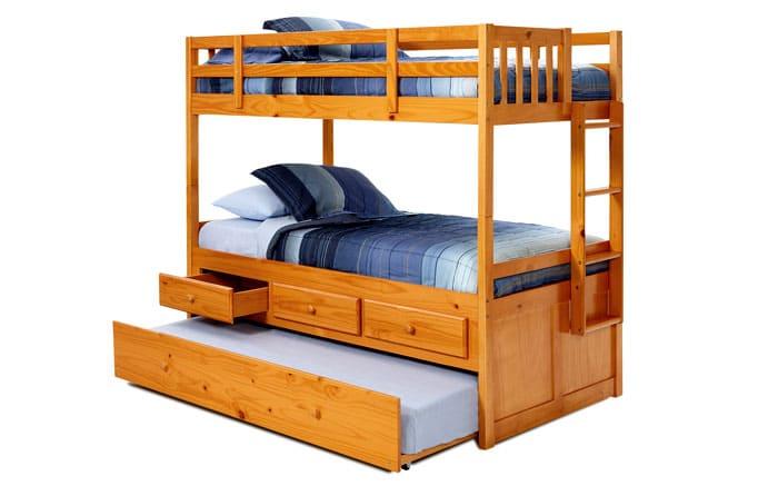 Важные современные составляющие кровати с несколькими ярусами: комод, стол, диван