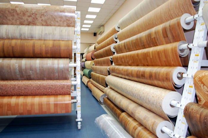 ФОТО: s.sakh.com В продаже сегодня широкий выбор видов линолеума, можно присмотреть материал на любой вкус и кошелёк