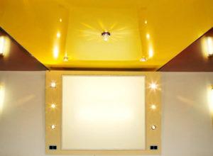 Натяжные глянцевые потолки: фото в интерьере,