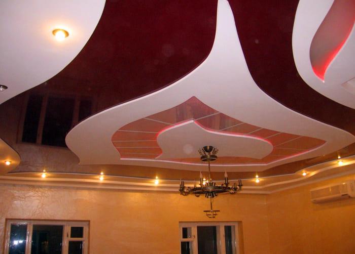 Такой потолок смотрится оригинальнее