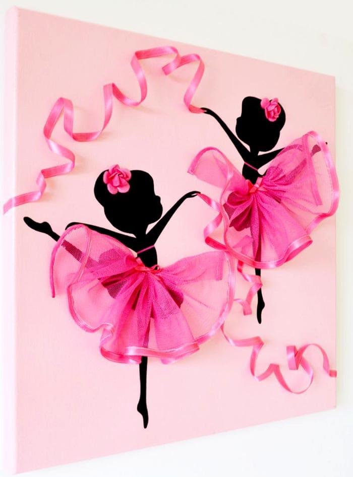 Балеринки будут красиво смотреться над кроваткой