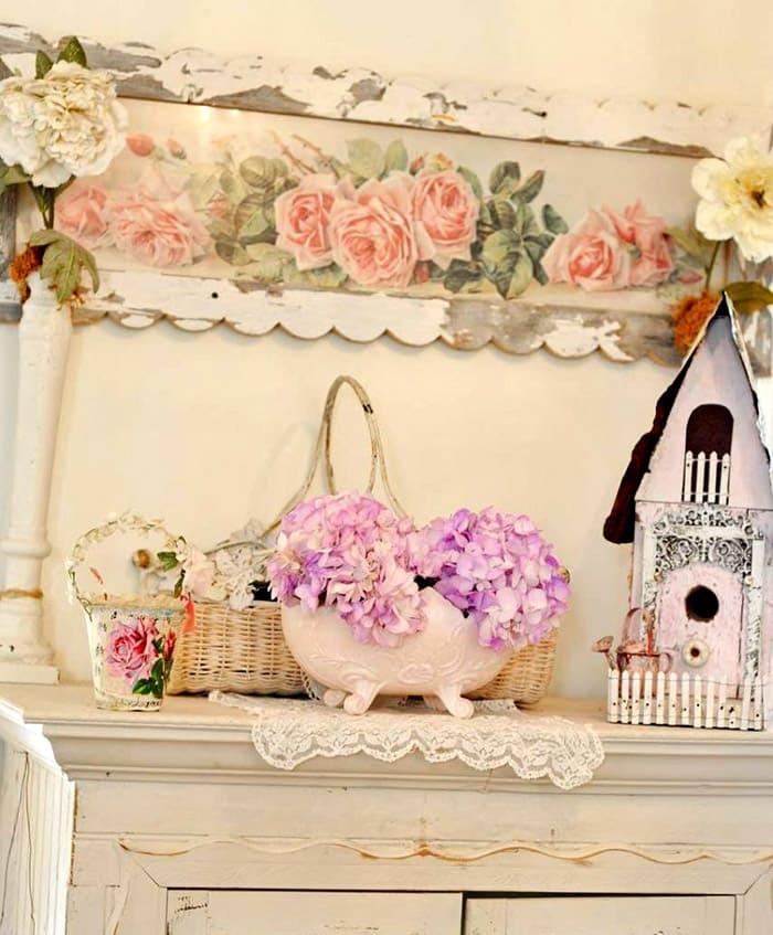 Для нежных стилей можно поставить красивые чайные домики, плетёные корзинки и расшитые полотенца с салфетками