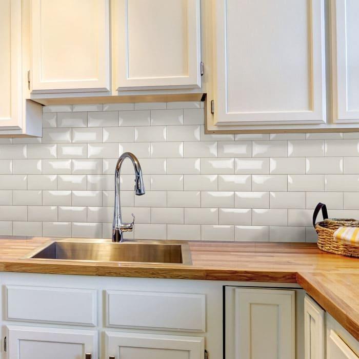 Кухонный фартук в виде мозаики разбавит простой домашний интерьер