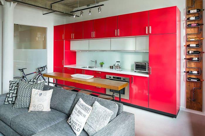 Линейная кухня подходит для обустройства квартиры-студии