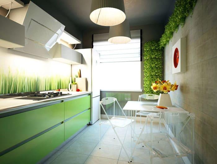 Маленькая кухня с глянцевым фасадом выполняет свою эстетическую функцию, если на мебели нет разводов и грязи
