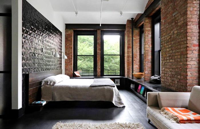 Чёрный цвет отмечают многие мужчины, как подходящий акцент для спального оформления