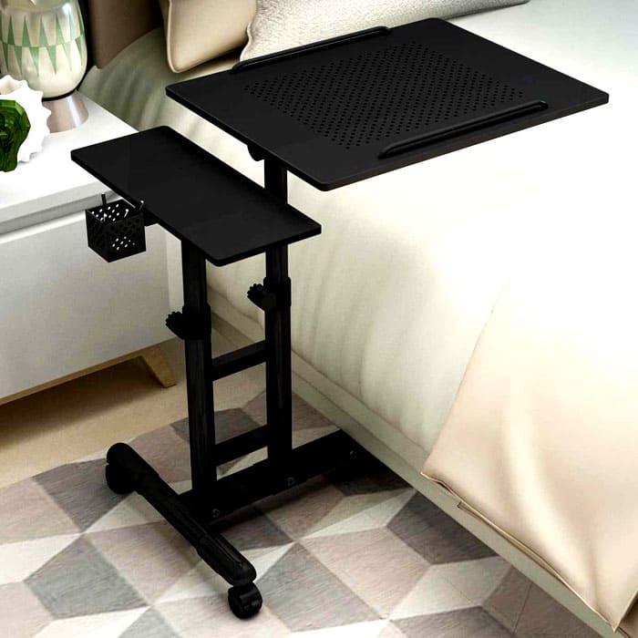 Особенно приятно, что такой столик превращается в поднос для завтрака, да и как подставка для книги неплохо подойдёт