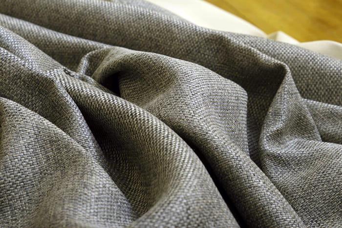 Дорогостоящая ткань, которая по типу переплетения напоминает обычную мешковину