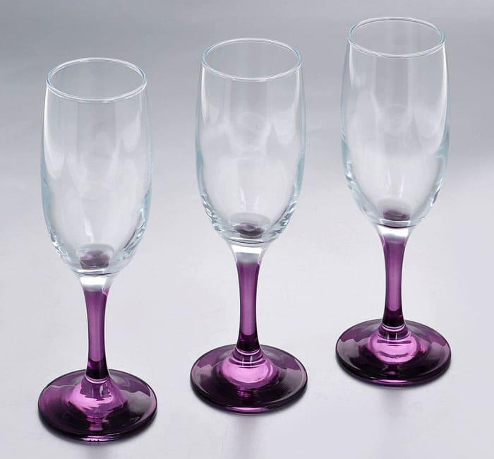 Характерная черта освинцованных бокалов — наличие цветности