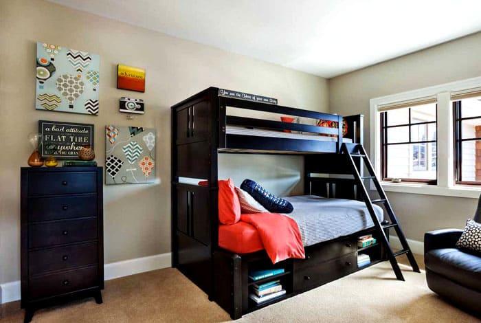 Удачные проекты двухъярусных кроватей делают проживание детей вдвоём максимально комфортным