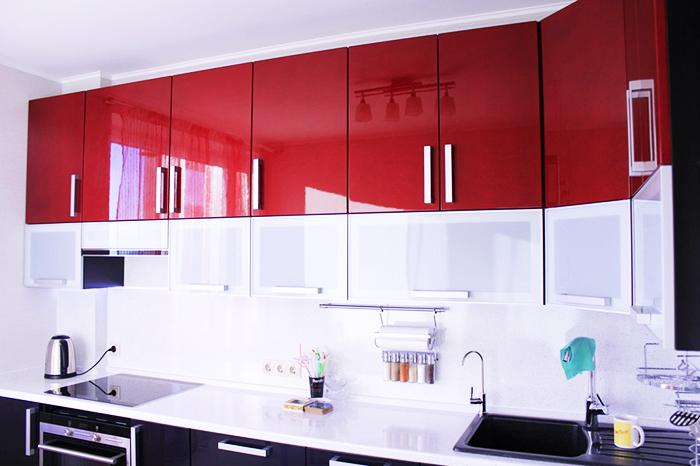 Классическая светлая поверхность для небольших кухонь