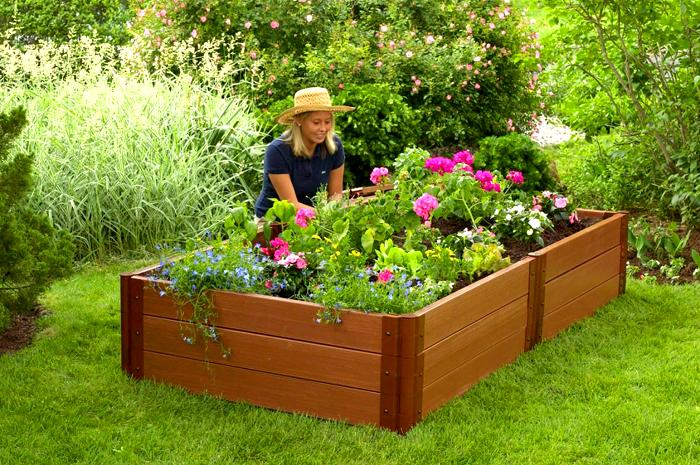 В таких конструкциях удобно выращивать многолетние цветы