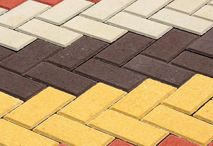 Для разнообразия стараются использовать несколько оттенков тротуарки