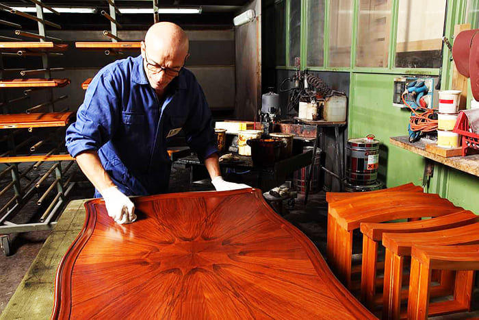 Sayerlack специализируется на производстве мебельных лаков