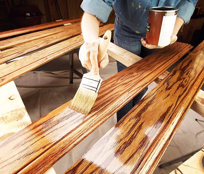 Алкидный лак замечательно проявляет структуру древесины