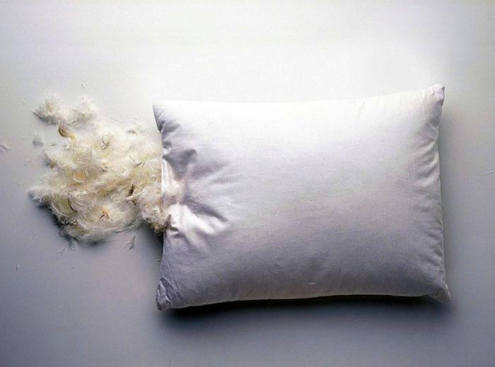 Пух вперемешку с пером тоже неплохой вариант наполнения подушек